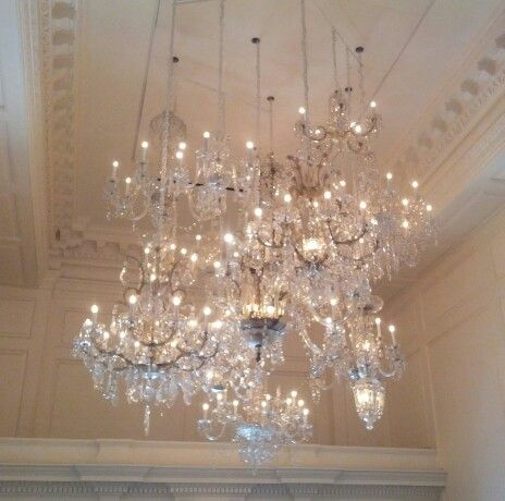 Insanely Beautiful Chandelier Sculpture In The Lobby Of Public Chicago Hotel Amazing Place Chandeliers And Lamps Pinterest