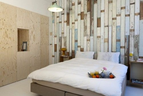 I so love this wallpaper. Hope it can work with my wood floors but think it probably won't...