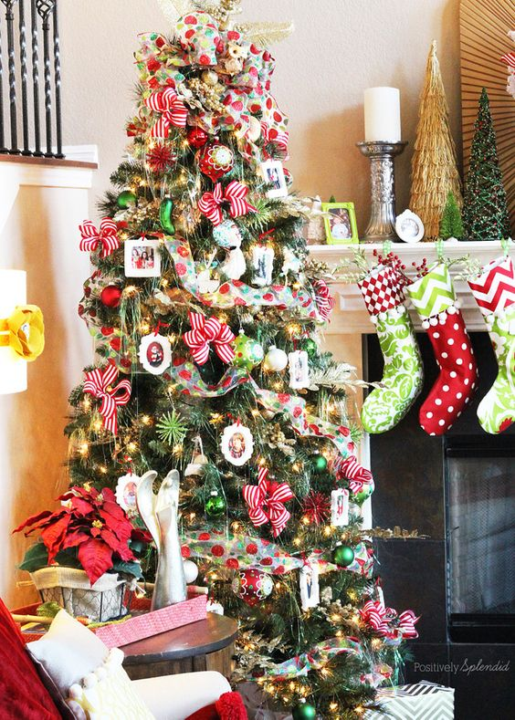 Decorate Christmas Tree With Bows : Decorating a christmas tree in easy steps how to