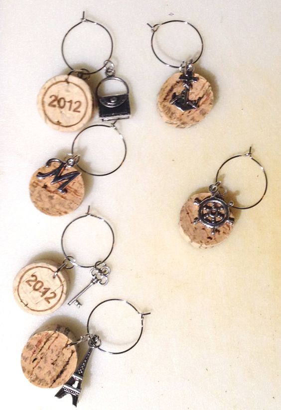 Wine Cork Wine Glass Charms  •  Free tutorial with pictures on how to make a…