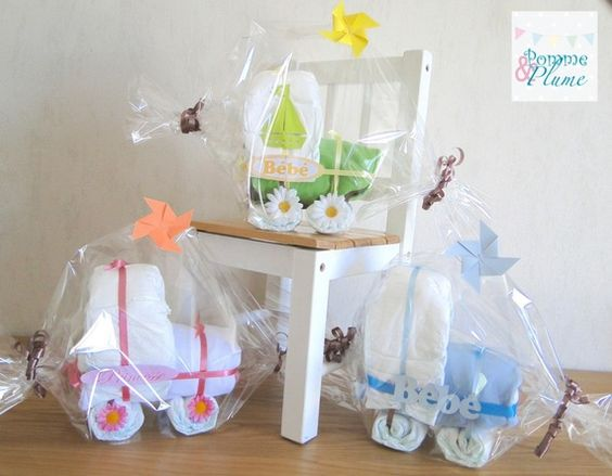 """Cadeau de naissance original """"Poussette / Landeau de couches"""" bébé"""