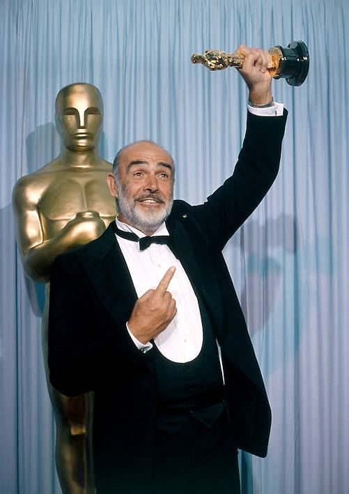 Sean Connery winning the Academy Award for THE UNTOUCHABLES (1987) | Sean  connery, Sean connery james bond, Hollywood scenes