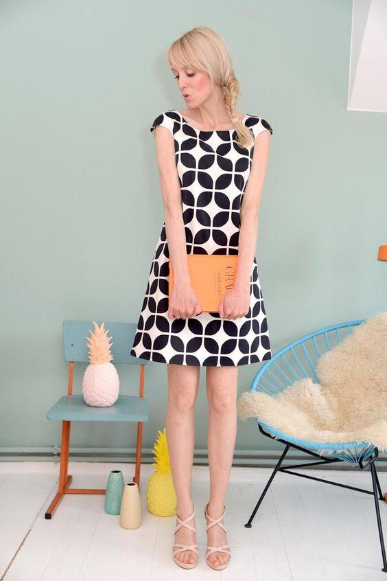 Knielanges A-Linien Kleid mit Retromuster / Swinging Sixties midi dress, retro pattern by Bonnie-and-Buttermilk via DaWanda.com