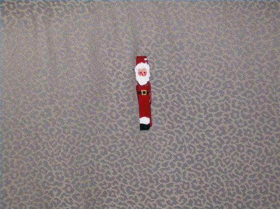 How to Make a Clothespin Santa Ornament thumbnail