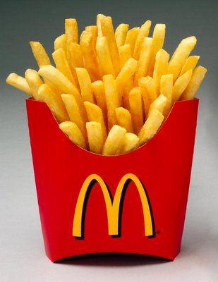 Esta foto representa la comida en los Estados Unidos. Tenemos muchos restaurantes de comida rápido, como McDonalds, que ha crecido al rededor de mundo. Pero, a hora, hay muchas restaurantes de salud.