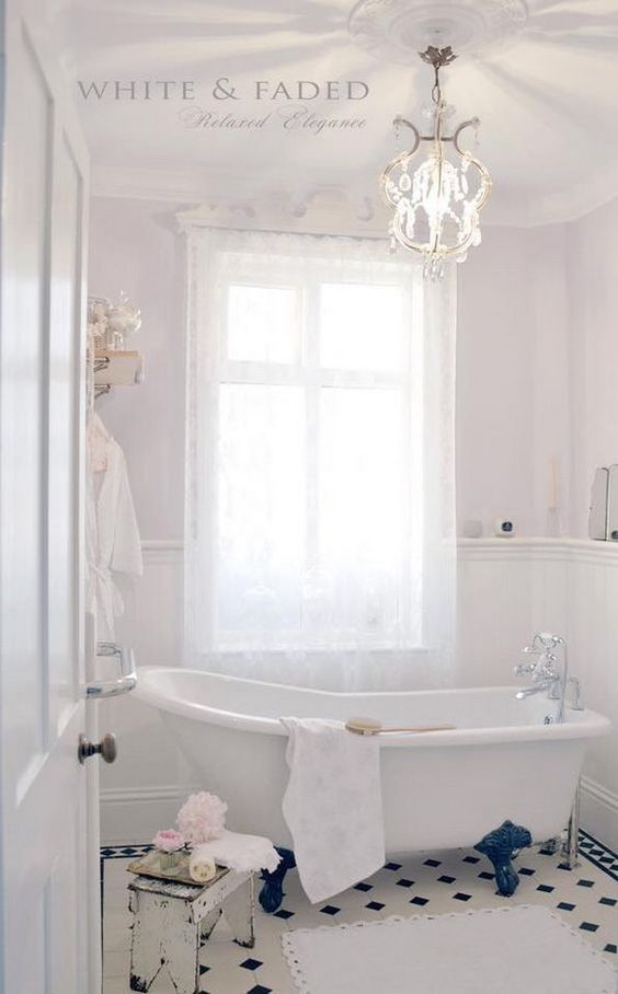 ❤(¯`★´¯)Shabby Chic 2(¯`★´¯)°❤ ...Feminine Shabby Chic Bathroom.