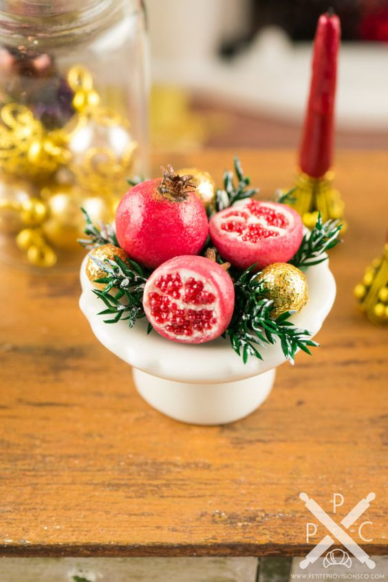 Christmas Pomegranate Centerpiece 1:12 by petiteprovisionsco