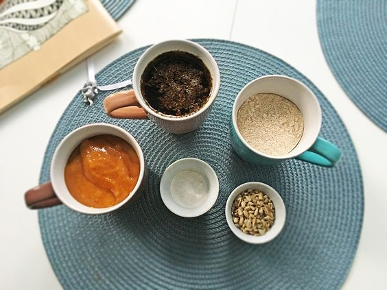 Ингредиенты для медового пирога. Фото Жени Шведы