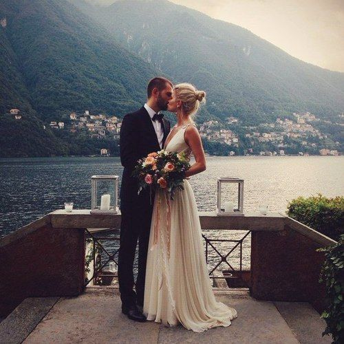 15 New-Age Wedding Vows Partners Should Commit To Before Saying I Do