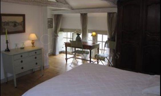 Interesting low windows  Le Mesnil des bois : chambre d'hote Le Tronchet, Arrondissement de Saint-Malo (354) - Charme & Traditions