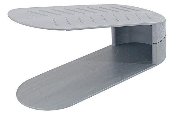 Mit den Staplern aus Kunststoff nutzen Sie den Platz optimal - ohne die Schuhe zu zerdrücken! H/B/T je ca. 13/10/28 cm....
