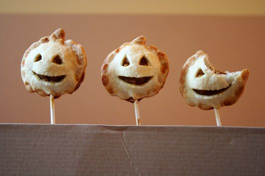 Pumpkin Pie Pops from Miss Make - y.u.m #Halloween