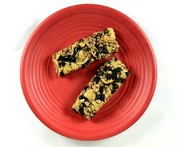 Great recipes for energy bars that you can definitely tweak and add protein powder and make them super healthy.