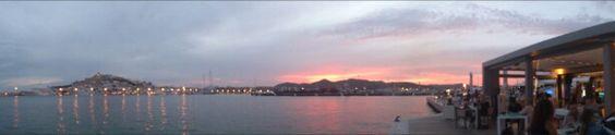 Vistas del anochecer de Ibiza desde Calma