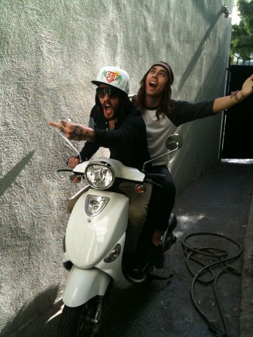 oh those Fuentes brothers <3 #piercetheveil