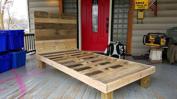custom-pallet-bed-frame.jpg (960×540)