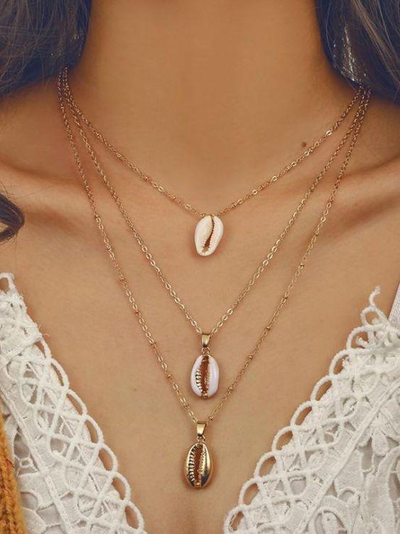 Shell Jewelry - Collana con tre pendenti conchiglia oro, cipria e bianco