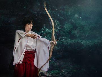 Ich verleihe hier mein Miko Kostüm (nicht selbstgemacht, Polyester), welches ich bisher nur für ein