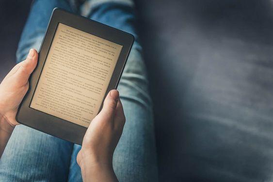 Plataformas oferecem livros digitais gratuitos para leitura em diferentes dispositivos