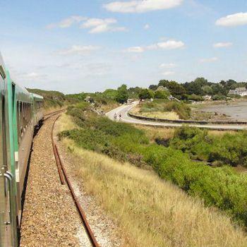Des trains pour voir la France autrement: le Tire Bouchon entre Auray et Quiberon
