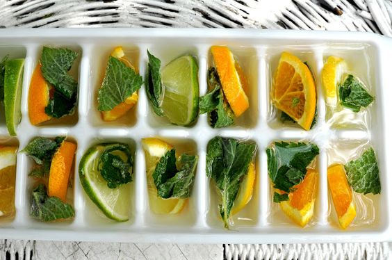 Dr Oz's de-bloating ice cubes: 2 & 1/2 cups of lemon juice, 15 mint leaves. Freeze in ice trays then add 3 cubes to a glass of water approx. 3 times a day.: