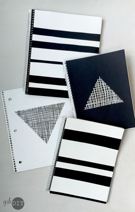 DIY Notebooks // Love these easy black and white DIY school supplies notebook for back to school! From gibDIY: