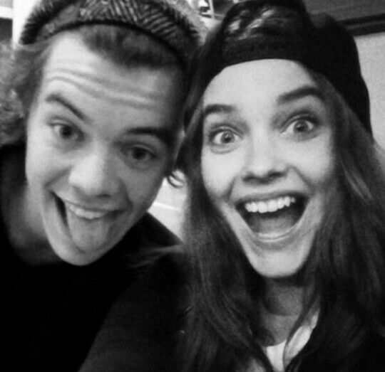 Harry Styles and Barbara Palvin manip | Audrey | Pinterest ...