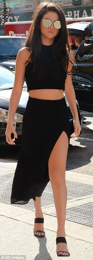 Selena Gomez wears knit crop top and no bra as she takes NYC by storm   Daily Mail Online