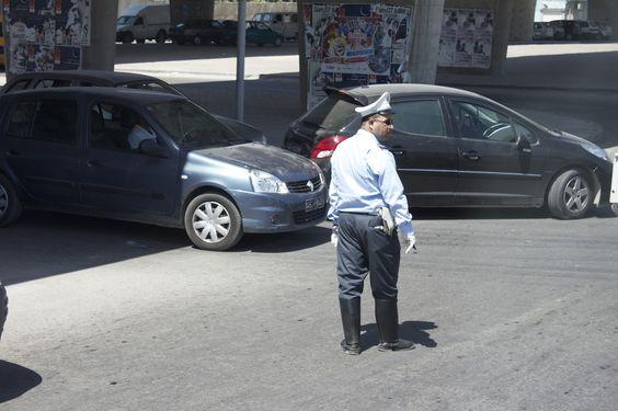 Polizei verkehr in Tunis . von panthernina