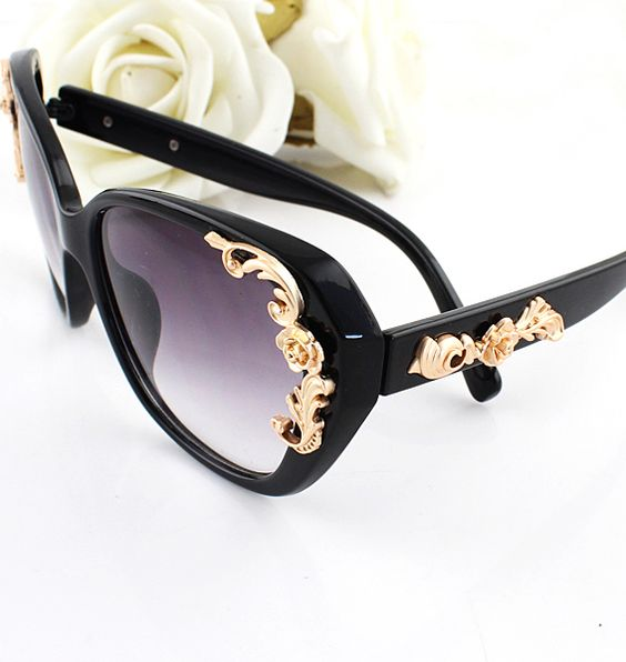 Black Rim Metal Flower Embellished Sunglasses