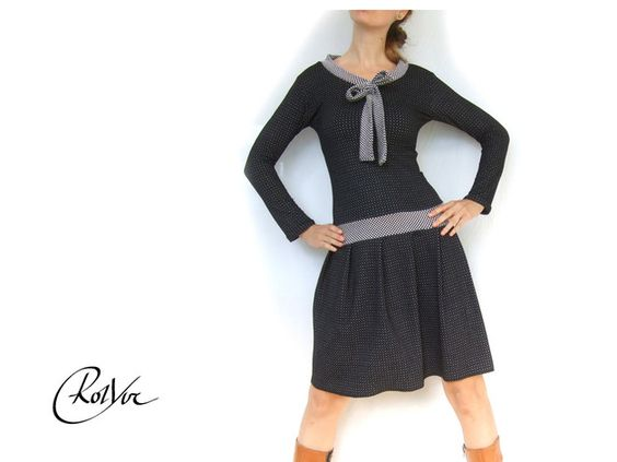 Petticoatkleider - ♥hertha♥ kleid knielang mit schluppe, pünktchen - ein Designerstück von RotYve_Mode bei DaWanda