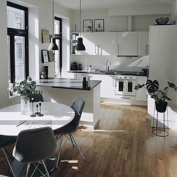 Посещение многочисленных мебельных выставок и салонов может помочь вам подобрать стиль, соответствующий вашим вкусам и нуждам.