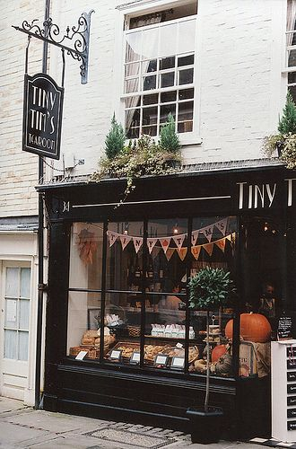 exterior of tiny tim's tea room, canterbury, england | foodie travel #storefronts
