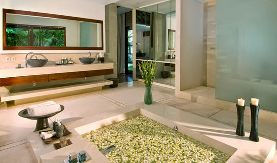 The sunken tub at Villa Istana in Bali gives a spa-like experience in the most private atmosphere. http://www.thebaliluxuryvillas.com/villa/villa-istana/