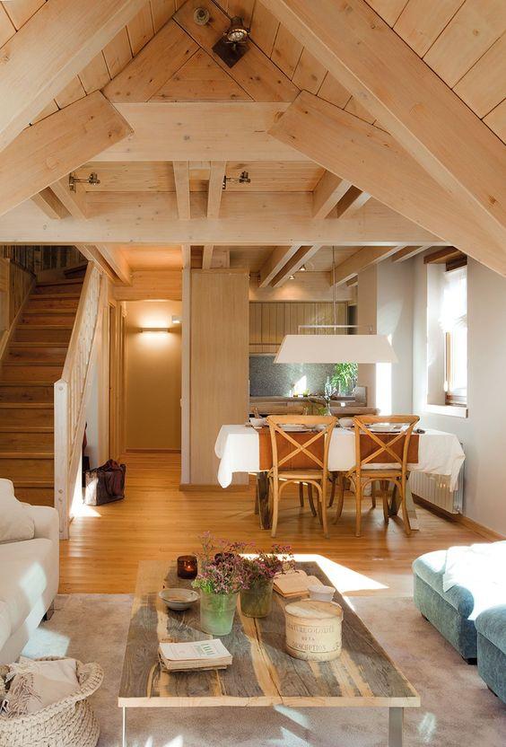 C mo crear un espacio relajado y c lido para una casita de - Sotanos decorados ...