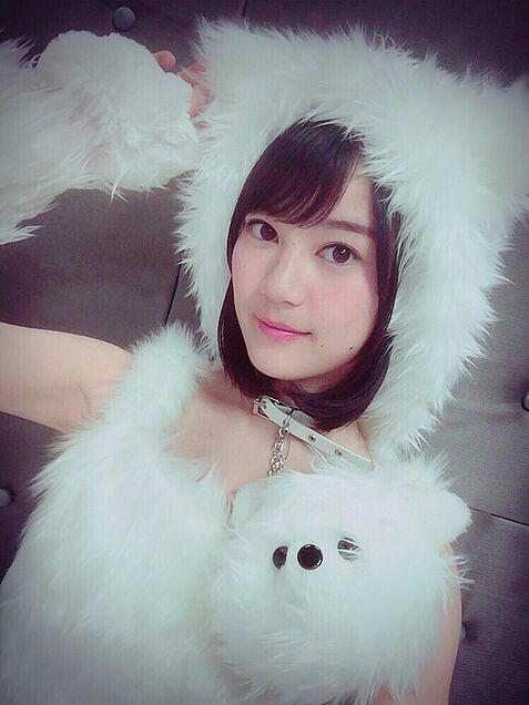 猫コスチュームのかわいい生田絵梨花