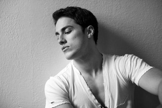 Michael Trevino (Tyler- Vampire Diaries)