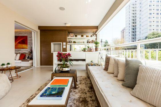 CYRELA_José Tavares : Varandas, alpendres e terraços clássicos por Claudia Albertini & Chris Silveira Arquitetos