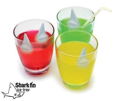 shark-fin-ice-tray