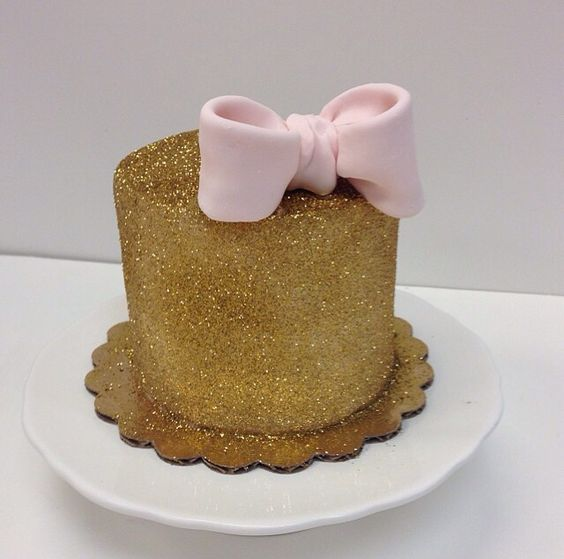 glitter gold fondant bow great dane bakery mini cake