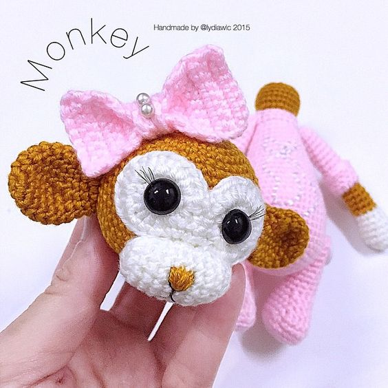 New skill learned from this amigurumi ~ monkey head can turn around
