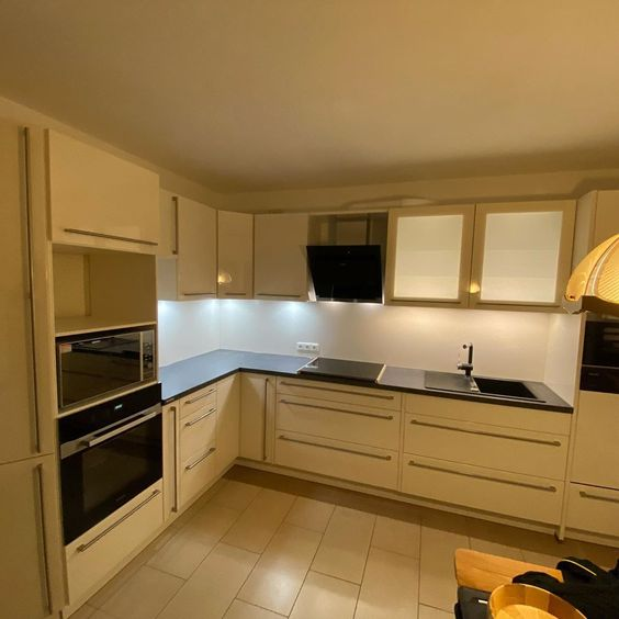Montage Einer Nolte Kuche Mit Backofen Kochfeld Und Dampfgarer Von Miele Spul In 2020 Kitchen Kitchen Cabinets Home Decor