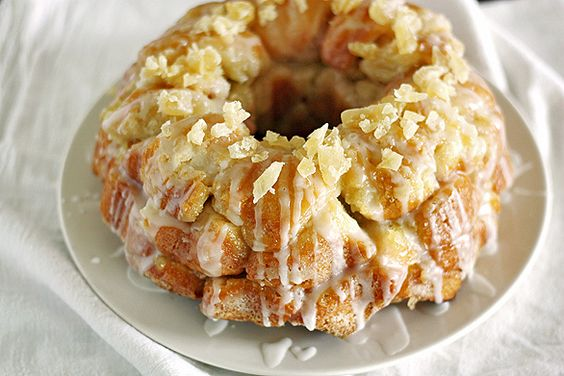 Piña Colada Monkey Bread