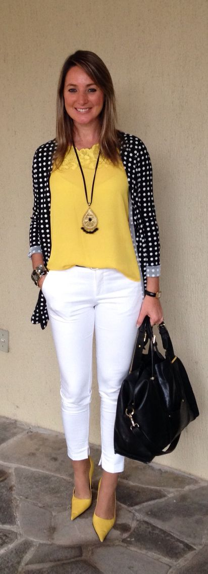 Look do dia - look de trabalho - moda corporativa - calça branca - blusa amarelo - blazer poá - white pants - polka dots - yellow: