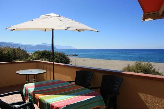 In dieser Ferienwohnung direkt am Strand können Sie einen preiswerten Badeurlaub verbringen. Die Ferienwohnung ist einfach und zweckmäßig eingerichtet, bietet aber alles für einen unbeschwerten Strandurlaub.