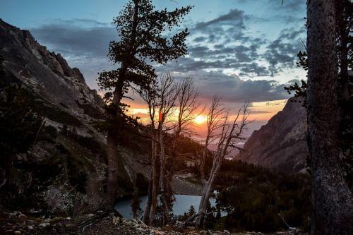 Sunrise from Paintbrush Canyon Tetons [OC] [6000x4000] Original...