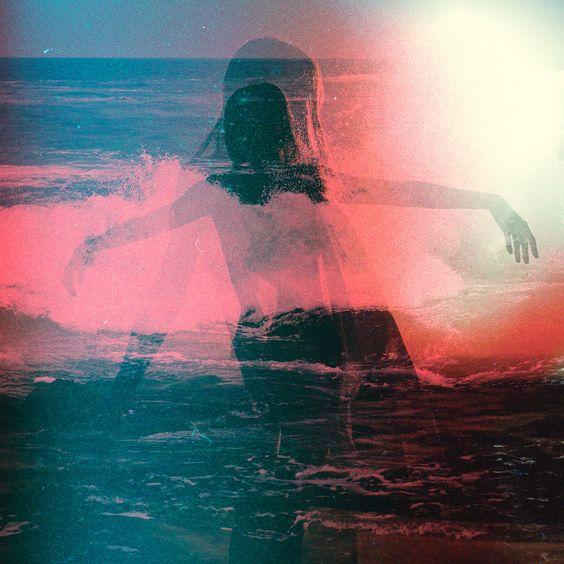 dança dos corpos = fogo+água+terra - Photo by Charles Bergquist