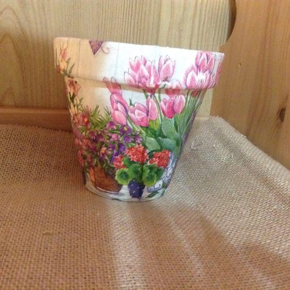 cuenco- maceta decorado con papel decoupage | maceta de barro