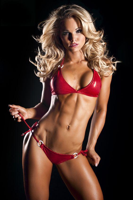Justine Munro ------http://www.fitnessgeared.com/forum