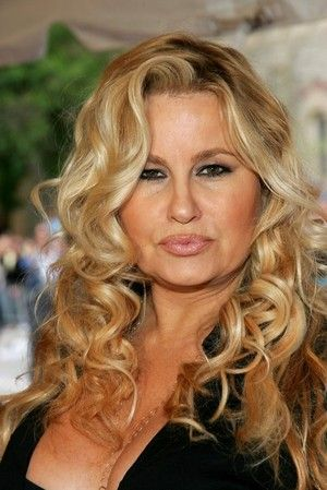 Jennifer Coolidge plays Sophie on 2 Broke Girls